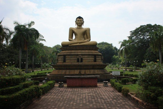 Парк Вихарамахадеви, Виктория, Шри-Ланка, фото