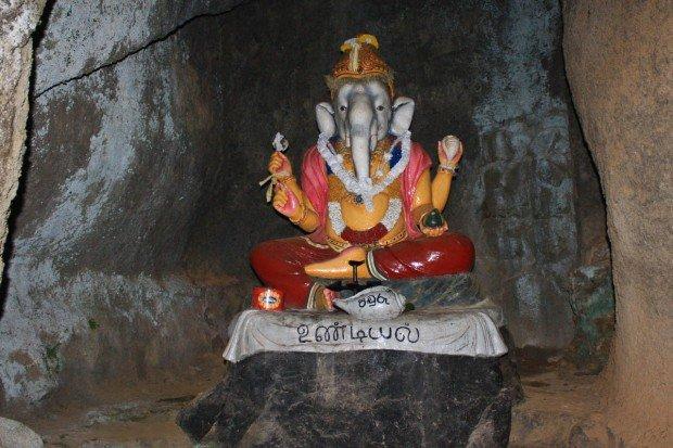 Гора Шри Пада (Адамов Пик) на острове Шри-Ланка