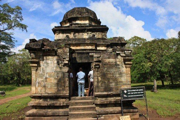 Индуистские храмы древней Полоннарувы